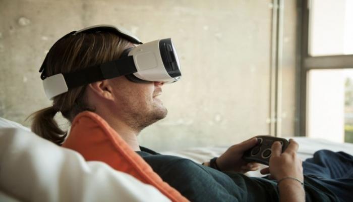 ورود سامسونگ به دنیای واقعیت مجازی با هدست Gear VR