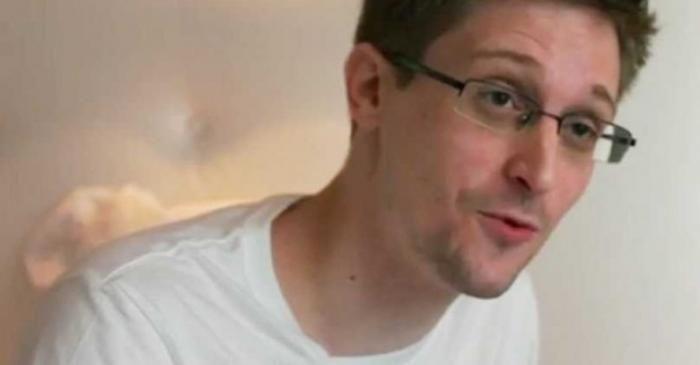 وکیل ادوارد اسنودن از دلیل او برای استفاده نکردن از آیفون می گوید