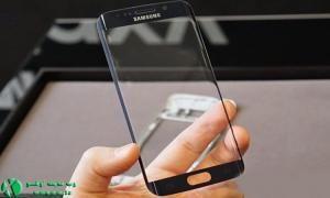 محدودیت در تولید شیشه خمیده، باعث کاهش عرضه گلکسی S6 اج می شود