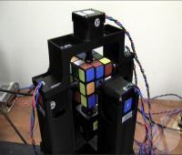 رباتی که مکعب روبیک را در ۱ ثانیه حل می کند